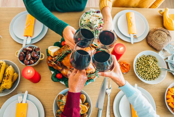family practicing gratitude during thanksgiving